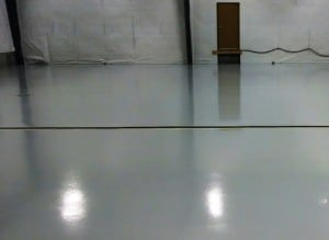 Epoxy 100 solide b ton surface plancher garage for Recouvrement de plancher exterieur