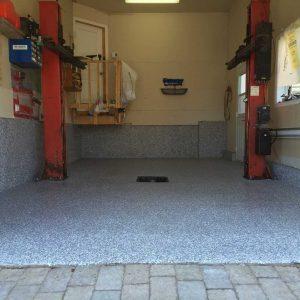 Plancher de garage en polyréa et flocons