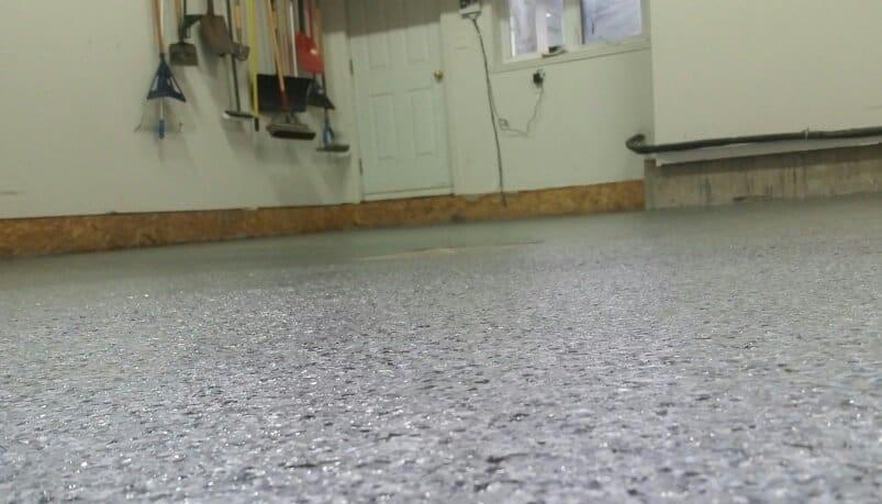 Rev tement de plancher de garage l vis b ton surface - Plancher chauffant pour garage ...