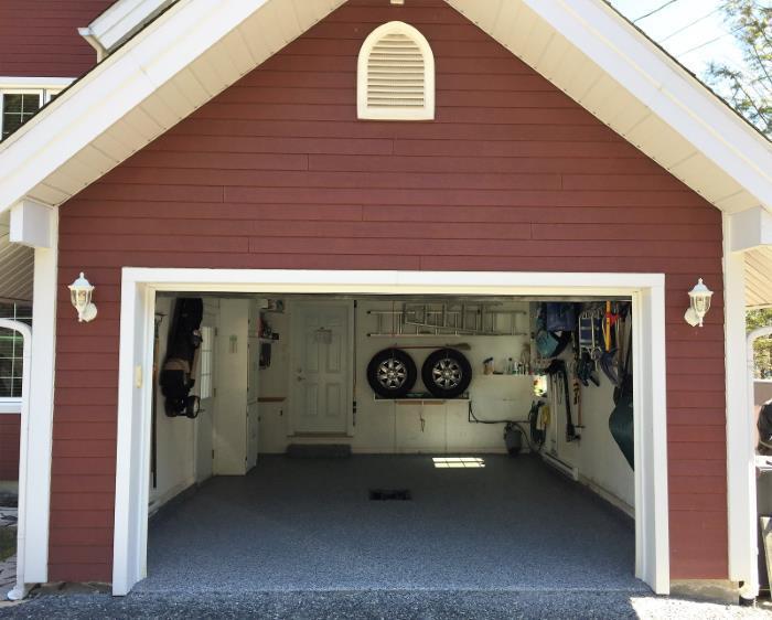 faire un grand m nage du garage b ton surface. Black Bedroom Furniture Sets. Home Design Ideas
