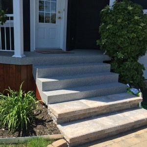 béton-escaliers-extérieurs-gravel